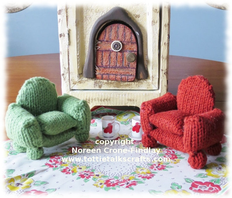 Tiny Knitted Armchair for Teddy Bears and their friends PDF image 0