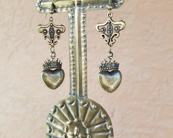 Bronze Chandelier Corazon earring