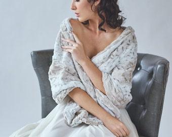 Wedding shawl | Faux Fur Stole | Winter Wedding | Bridal Fur Wrap | Faux Fur Stole [York Fur Shawl]