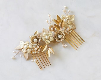 Gold Floral Hairpiece   Freshwater Pearl Wedding Headpiece    Gold Floral Hair Comb   Boho Flower Bridal Accessories   [Marilyn Headpiece]