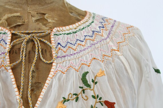 1930s Hungarian embroidered peasant blouse xs | n… - image 2