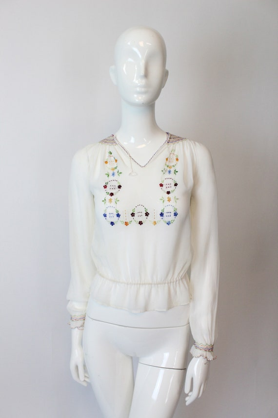 1930s Hungarian embroidered blouse xs   vintage p… - image 3