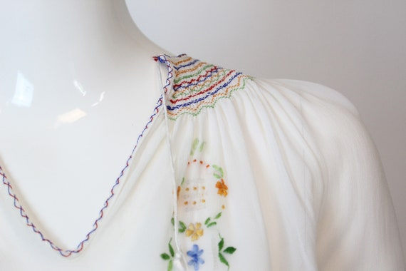 1930s Hungarian embroidered blouse xs   vintage p… - image 5