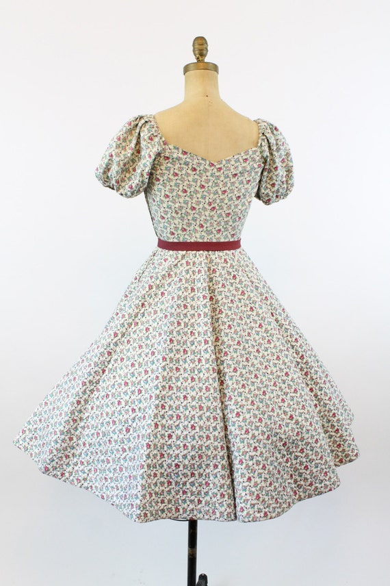 1950s rose print quilted dress   vintage sweethea… - image 5