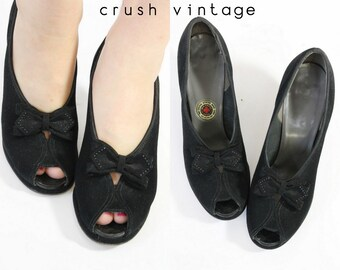 40s Peep Toe Shoes 6 / 1940s Vintage Black Studded Platforms  /  Now Is The Hour Pumps