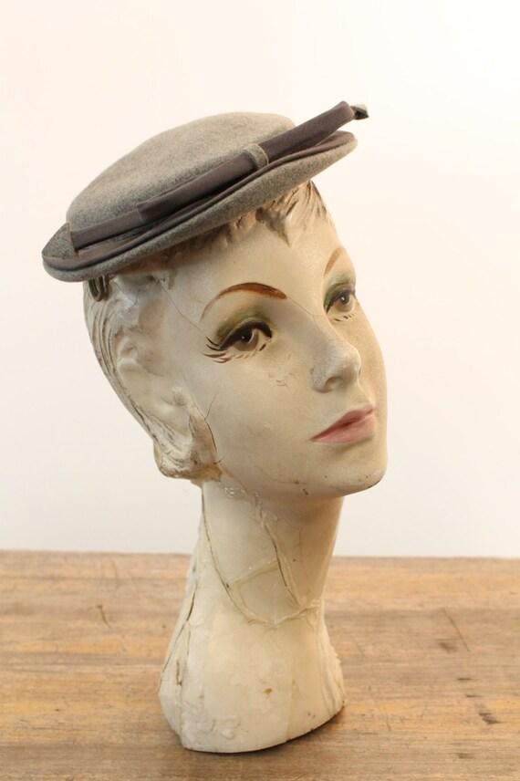 1940s tilt hat   arrow fascinator   I. Magnin - image 4