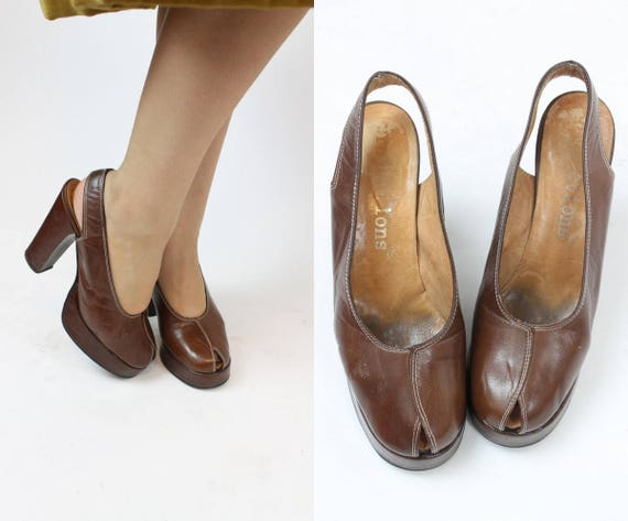 1970s does 1940s peep toe platforms size 6.5 - 7 u