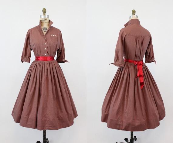 1950s shirtwaist dress   novelty pinwheel print Ca