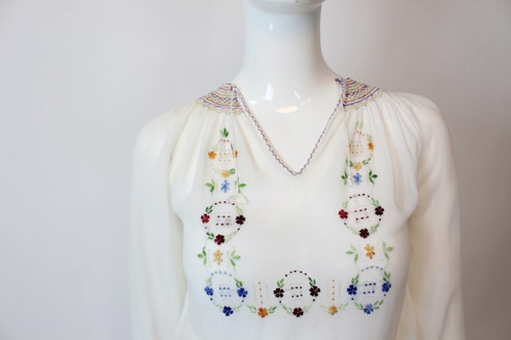 1930s Hungarian embroidered blouse xs   vintage p… - image 4