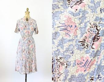 1940s WOMEN STATUE novelty print dress medium   new spring
