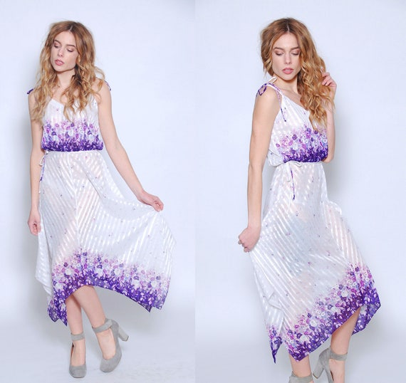 Vintage 70s FLORAL Dress White PIXIE Hem Dress GRA