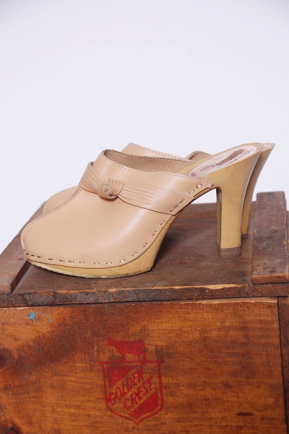 Vintage 70s LEATHER Clogs BEIGE Leather Slip On He
