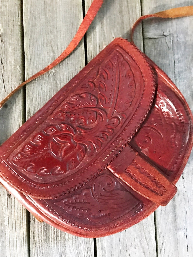 Vintage 70s TOOLED LEATHER Bag 1970s Leather Handbag Hippie Purse RUST Leather Handbag Boho Leather Bag Artisan Handbag