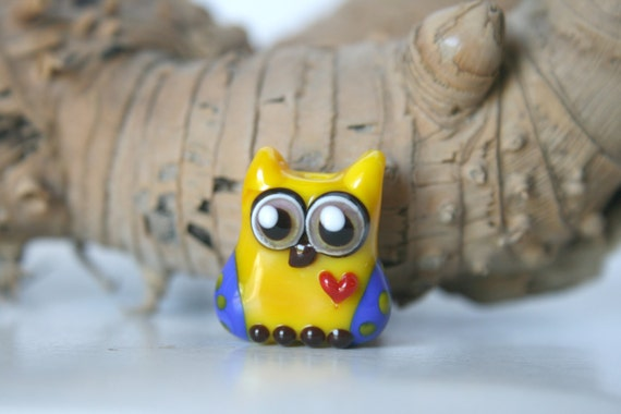 Lampwork, Glass, Bead, Owl, Talisman,  with heart, Two-tone shades of yellow and blue., with dots, By Ghirigori Glass