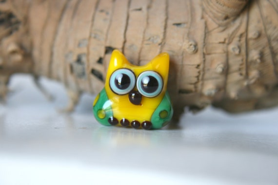 Lampwork, Glass, Bead, Owl, Talisman, Two-tone shades of yellow and green., with dots, By Ghirigori Glass