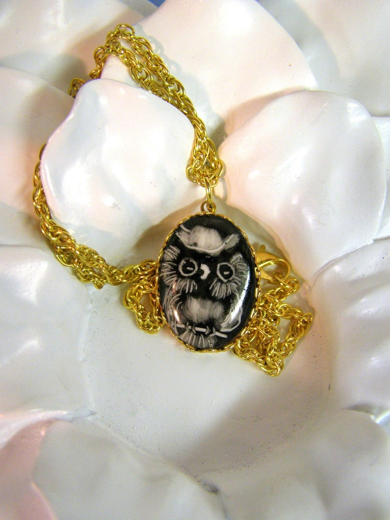 18 Gold Chain-Wearable Art-Owl Lover-Owl necklace-Owl jewelry Vintage 1980s Retro Hand Painted OWL Pendant Necklace