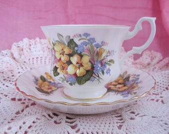 ROYAL ALBERT English Bone China Teacup and Saucer Summertime Series from 1970s