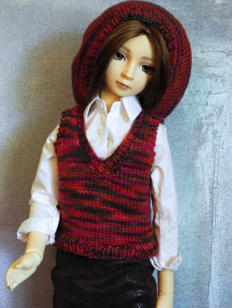 SD BJD sweater vest and beret Chocoberry image 0