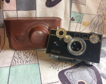 """Vintage Argus Camera """"the brick"""" with Leather Case"""