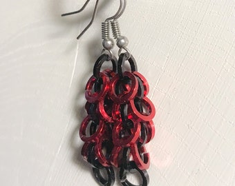 Chainmaille Shaggy Loops Red and Black Earrings