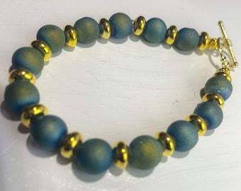 Blue Green Druzy and Gold Rondelle Beaded Bracelet