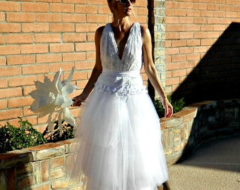 Classic Wedding Dress-Lace Wedding Dress-Wedding Dress-Handmade-Giselle Maxi Lace Tissue Linen Ruffled & Layered Tulle-Bride Collection