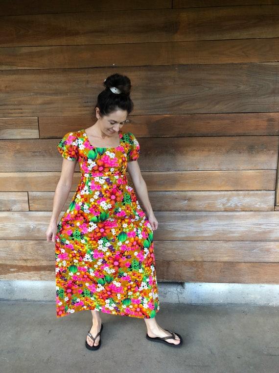Vintage Hawaiian Muumuu/ 60s Floral/ Hawaiian Dres