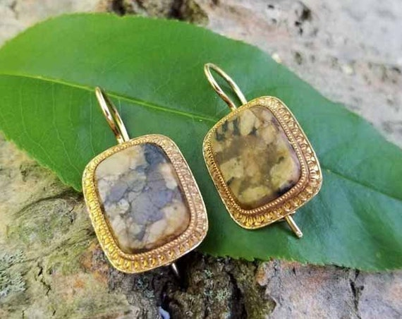 Antique Victorian 14k gold brown agate jasper hardstone pierced locking kidney wire earrings