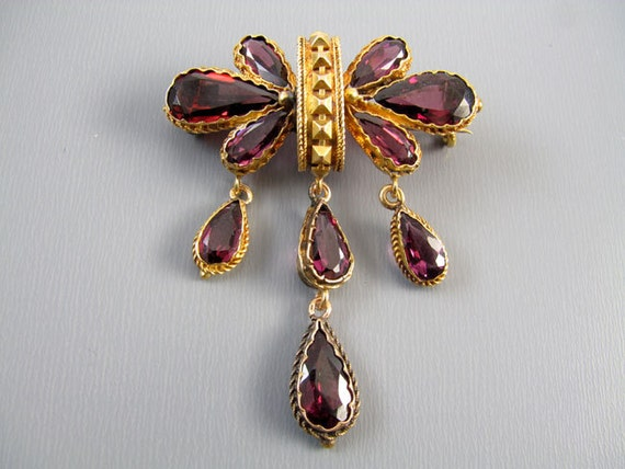 Glorious antique mid Victorian 18k gold 8.24 carats rhodolite garnet brooch pin