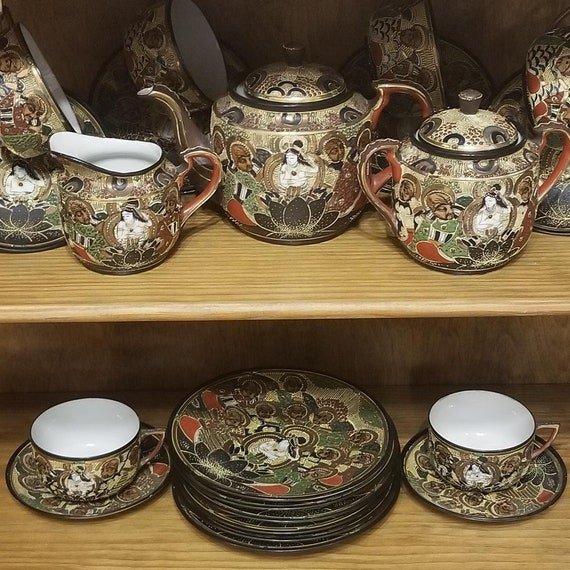 Vintage 23 pc porcelain Japanese Satsuma Moriage geisha face tea set, service for 6, teapot, creamer, sugar, cups, saucers, dessert plates