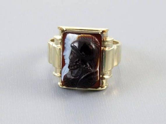 Mans antique Edwardian 10k gold sardonyx hardstone double headed warrior cameo ring, size 9-3/4