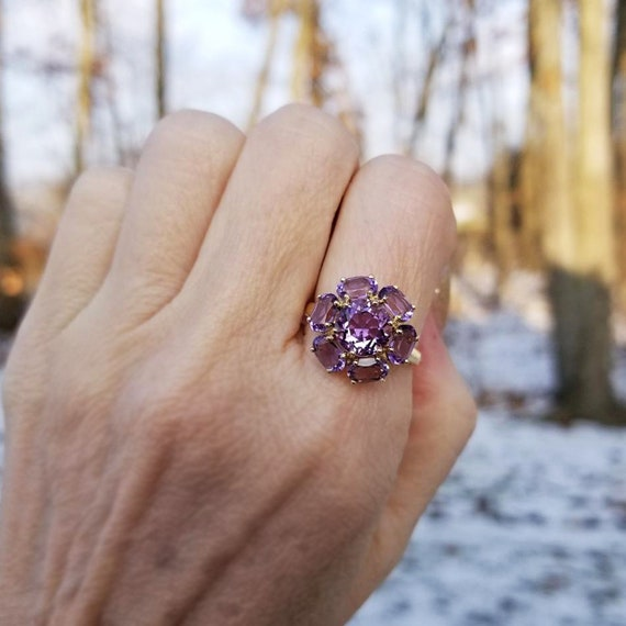 Lovely 14k gold Rose de France purple amethyst halo ring, statement ring, cluster ring, size 7-1/2