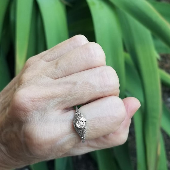 Antique Art Deco 18k white gold filigree .06ct diamond solitaire ring, size 6, engagement ring