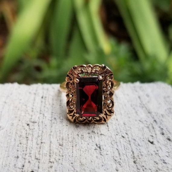 Vintage mid century 14k rose gold ornate filigree 3.30 carat garnet cocktail statement ring, size 7