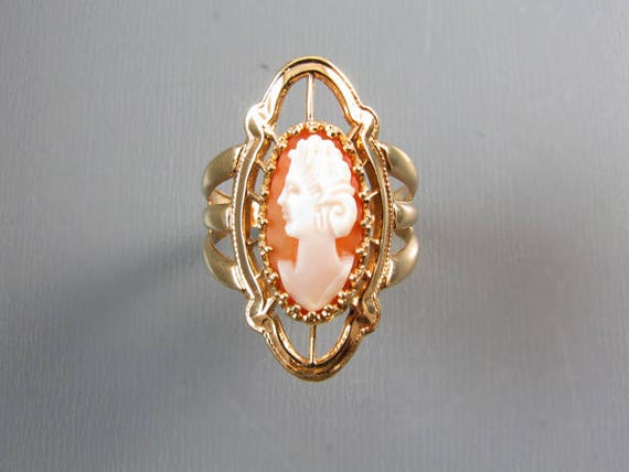 Vintage mid century extra wide hand carved shell cameo navette statement ring, signed A&Z Hayward / size 6-1/4