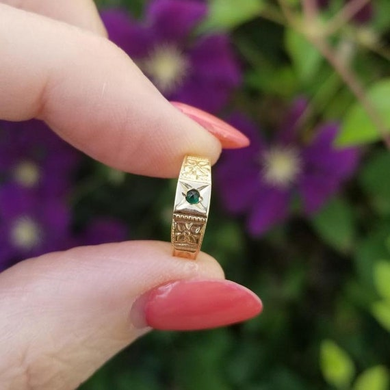 Vintage Art Deco 10k gold synthetic green emerald baby band ring signed Ostby Barton, size 1-3/4, midi ring