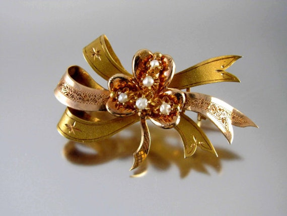 Antique Victorian 14k gold shamrock clover ribbon bow ribbon pearl pin brooch