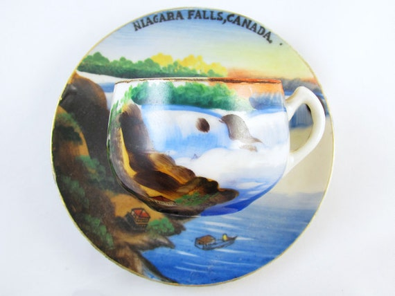 Vintage hand painted Nigara Falls Canada / souvenir / demitasse cup and saucer / porcelain / china / bone china / tea / coffee