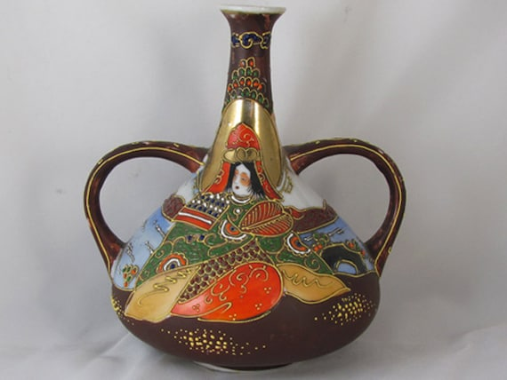 Vintage hand painted Japanese Satsuma double handle urn vase ceramic / pottery / Asian / Oriental / Japan / moriage / Tashiro Shoten/ Nagoya