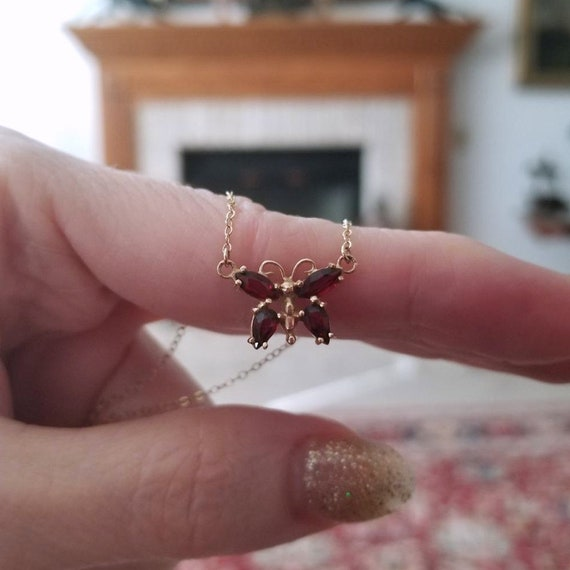 Dainty vintage estate 14k gold marquise and pear cut garnet butterfly pendant necklace