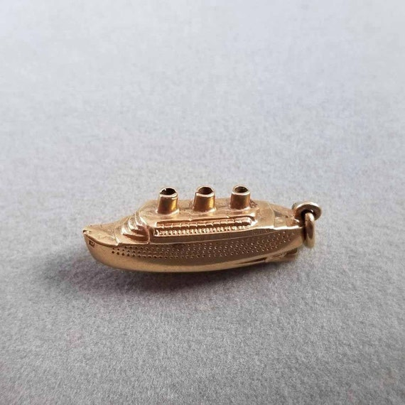 Vintage estate 14k cruise ship 3d three dimensional figural boat charm, pendant, necklace