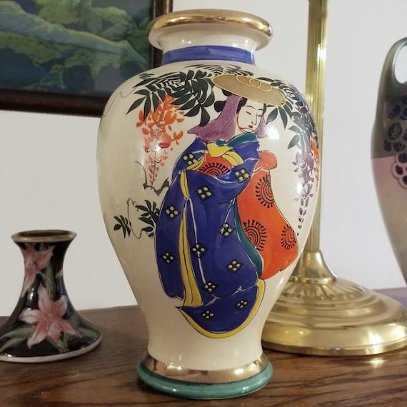 Large vintage hand painted Geisha and floral Japanese Satsuma urn vase ceramic, pottery, Asian, Oriental, Japan, Moriage