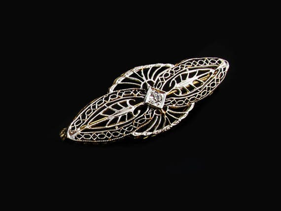 Vintage Art Deco 14K two tone white and yellow gold filigree diamond brooch pin signed Taylor and Company