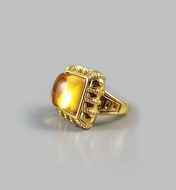 Modern estate 14k gold square cushion cut cabochon 7.58 carat citrine quartz statement ring, Greek Key detail, size 8-1/4, cocktail ring