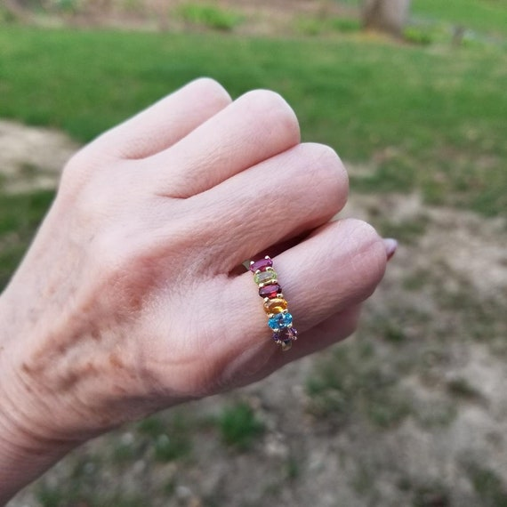 Modern estate 14k gold gemstone rainbow statement band ring, size 8-1/4, stacking, amethyst, citrine, peridot, blue topaz, garnet, rhodolite