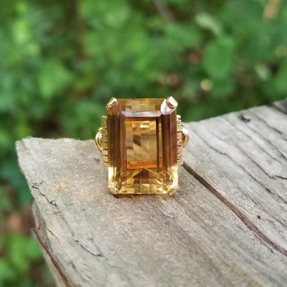 Vintage Art Deco Retro Moderne 18k two tone rose yellow gold 14.25 carat citrine quartz statement ring, cocktail ring, dinner ring, size 7