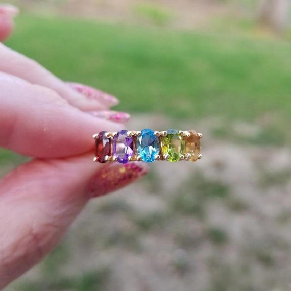 Modern estate 14k gold gemstone rainbow statement band ring, size 8, stack band, stacking, amethyst, citrine, peridot, blue topaz, garnet