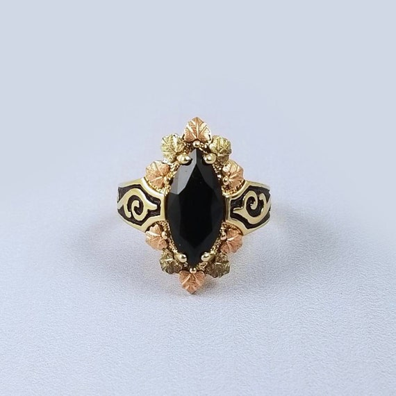 Vintage estate 1970s to 1980s Black Hills Gold statement ring navette, marquise faceted black onyx, black enamel,  size 8-1/4, Coleman Co.