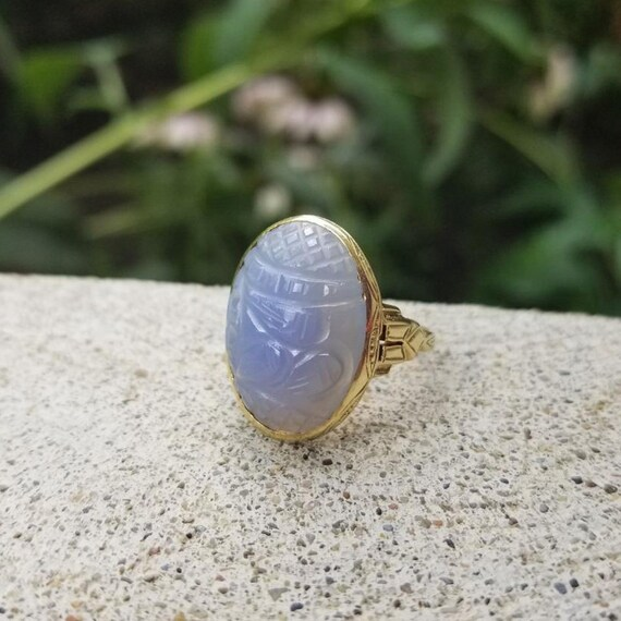 Stunning antique Art Deco 1920s 14k green gold periwinkle blue hand carved chalcedony statement ring, size 7-1/2, cocktail ring