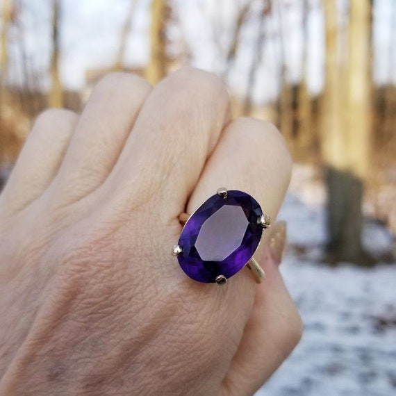 Massive 14k gold deep richly saturated purple 13.20 carat Siberian amethyst solitaire statement ring, cocktail ring, size 10-3/4